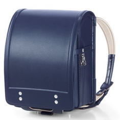 95eabdaddb3f 牛革ベーシックカラーは土屋鞄の定番シリーズで、背あてと内装に配色したカラフルな内装の色が、ベーシックなランドセルに挿し色となってシンプルなのにおしゃれな大人  ...
